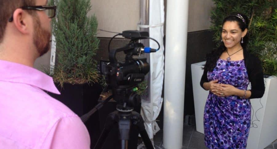 Elayna Fernandez - The Positive MOM - being interviewed