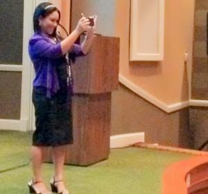 The Positive Mom ~ Elayna Fernandez BSA Summit Keynote Speaker  #1 Bestselling Author - International Keynote Speaker - Award-winning Success Guide