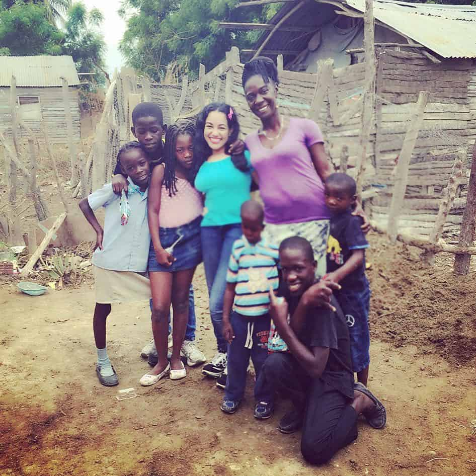 Milagros Matos and her children - a family blessed by the aid that World Vision provides
