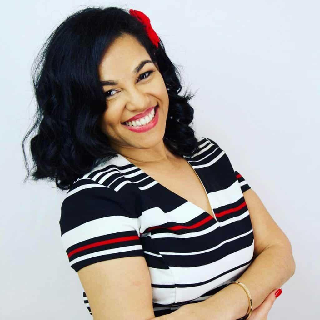 Elayna Fernandez ~ The Positive MOM