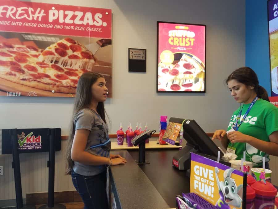 Chuck E Cheeses buying food