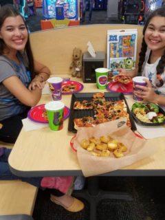 Chuck E Cheeses dinner