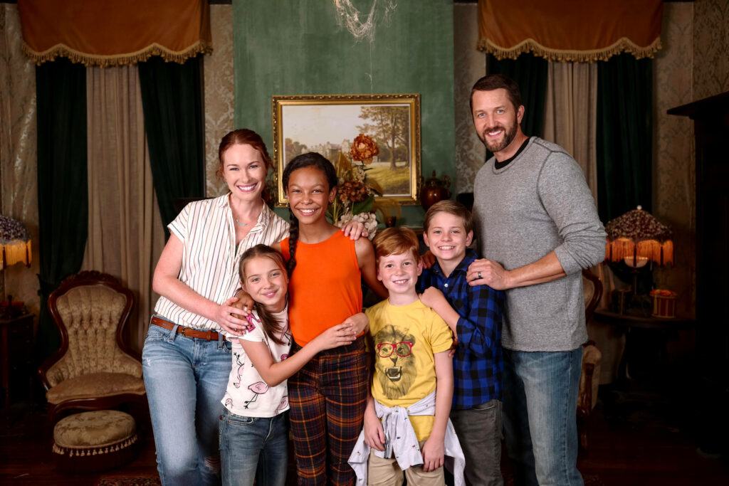 Disney Channel Secrets of Sulphur Springs cast